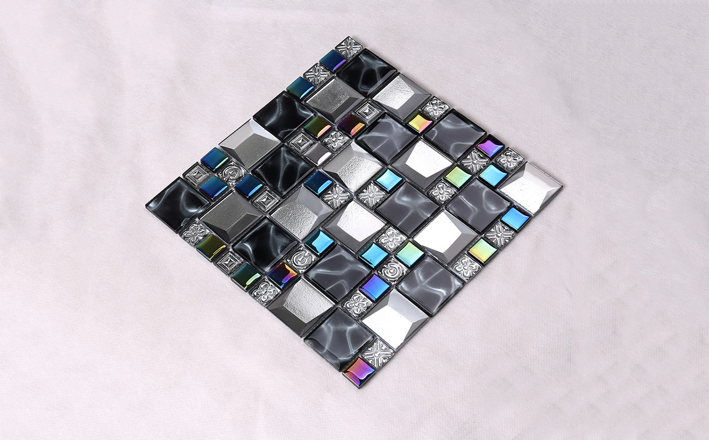 Heng Xing-Bevel Tile | Iridescent Grey Beveled Cold Spray Glass Mosaic