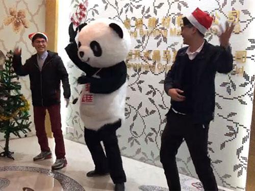 Heng Xing-What A Funny Christmas Party Hengsheng Glass Mosaic-3